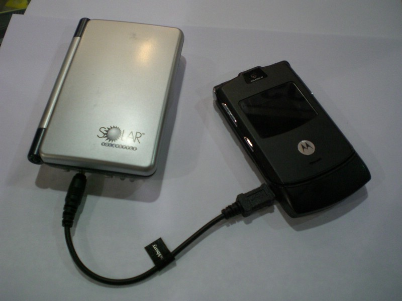 Midsize Solar Style recharging cell phone
